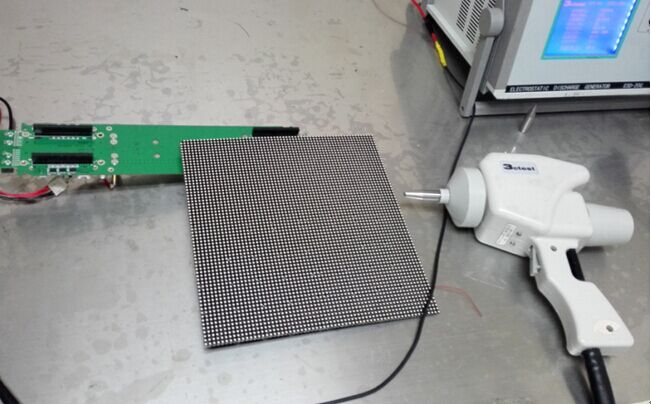 LED显示屏ESD导致驱动IC损坏解决方案